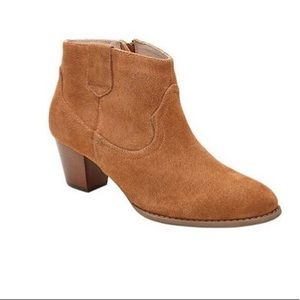 Vionic Windham Western Ankle Boots